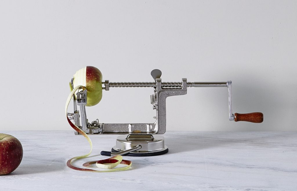 5908_3430d2a6cd-n4228_1-apple-peeler-zoom
